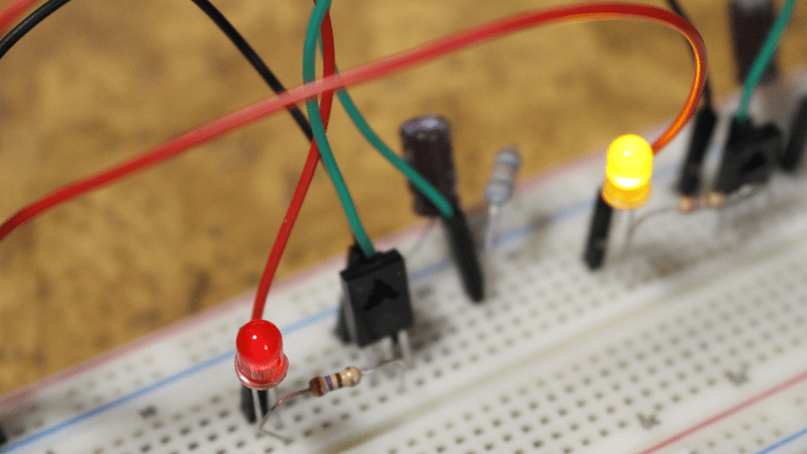 Oscilador con transistor