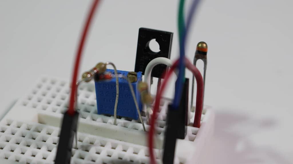 Miniatura NTC con fuente de corriente